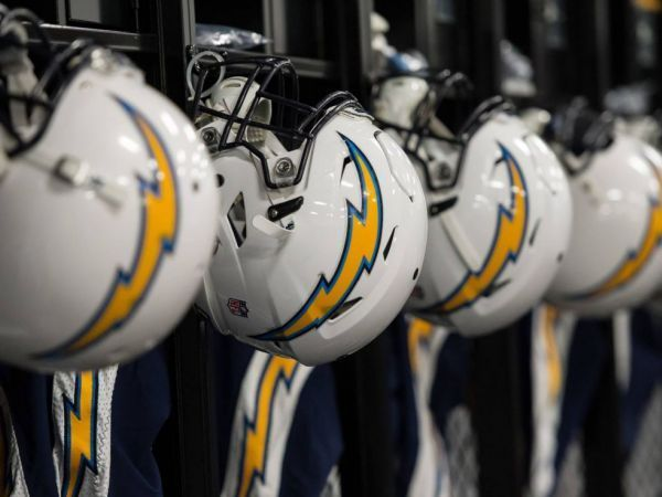Chargers bolt out of San Diego, head for Los Angeles