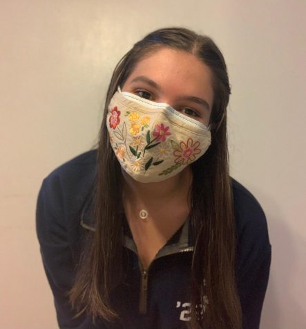 Palmetto junior Catherine Bales, wears a cloth mask over her disposable mask to ensure the safety of herself and others. (Photo courtesy of Catherine Bales)
